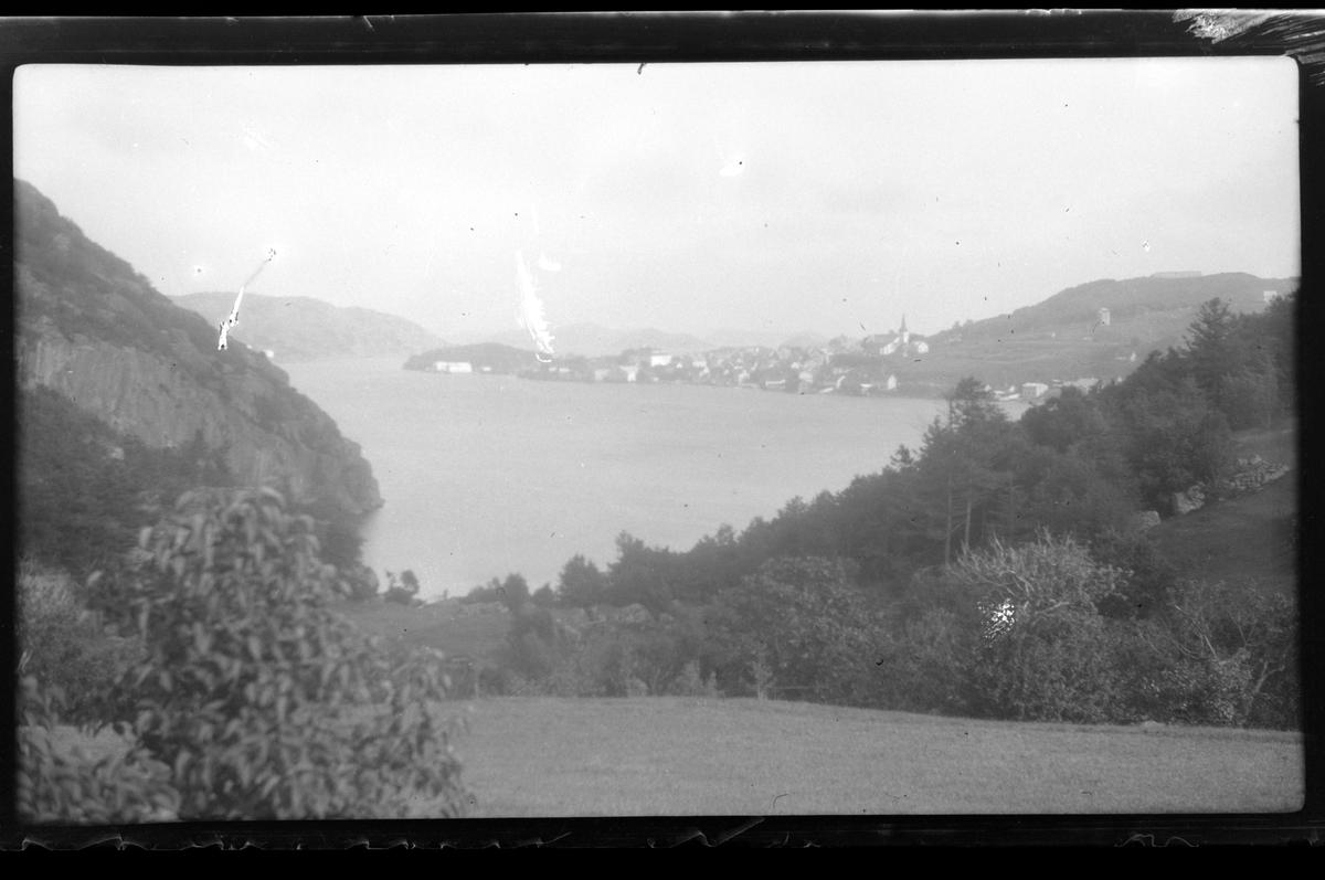 Utsikt fra Snabbe mot Farsund fra nordvest.