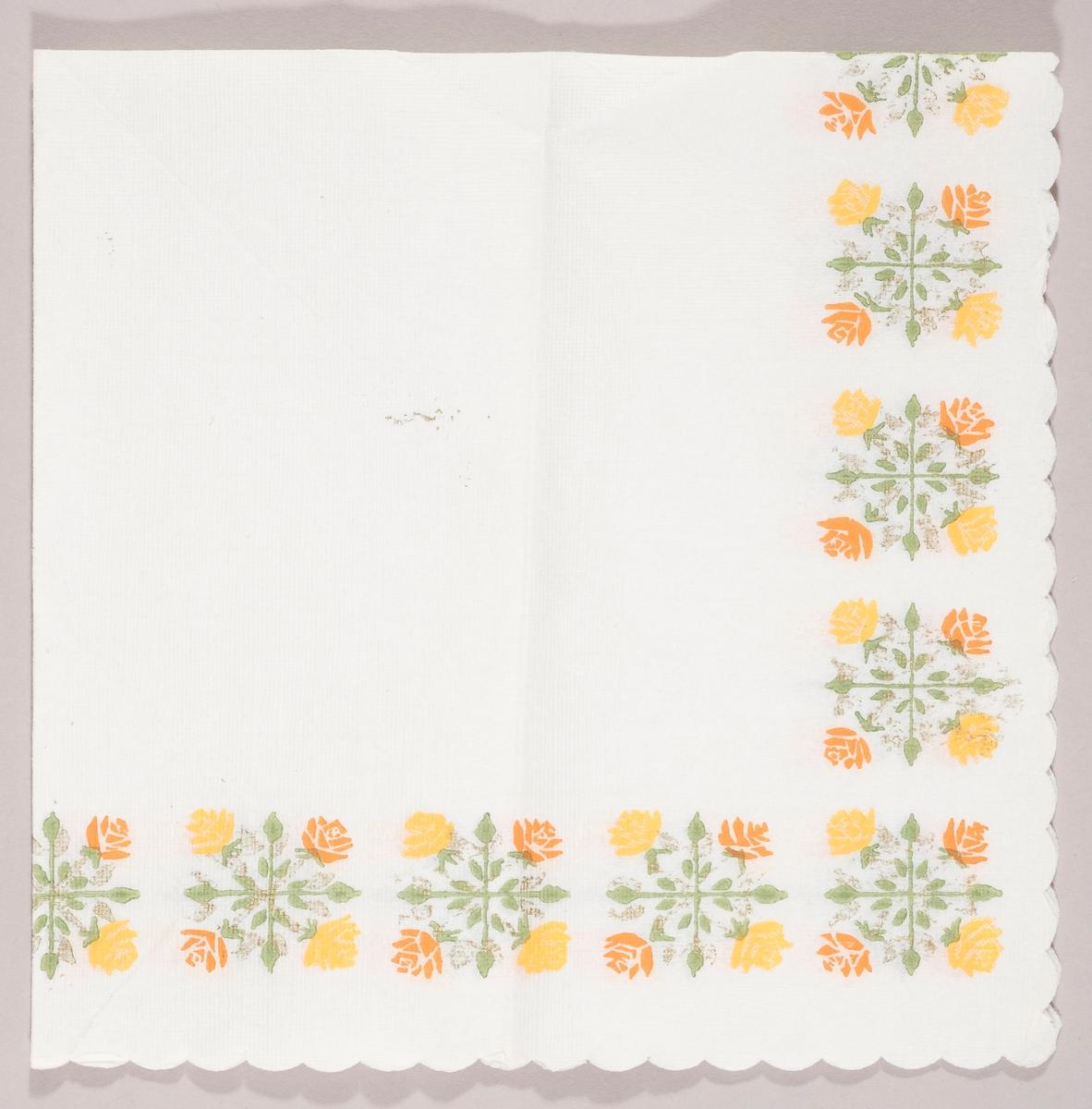 Firkantete buketter med gule og oransje roser langs kanten.