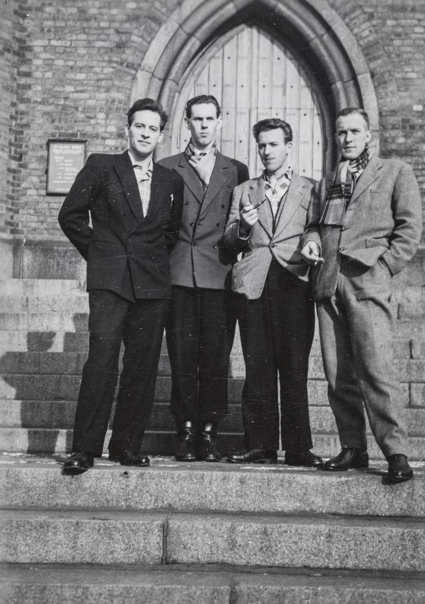 Noen av elevene på jernbaneskolens fyrbøterkurs 1957/58.