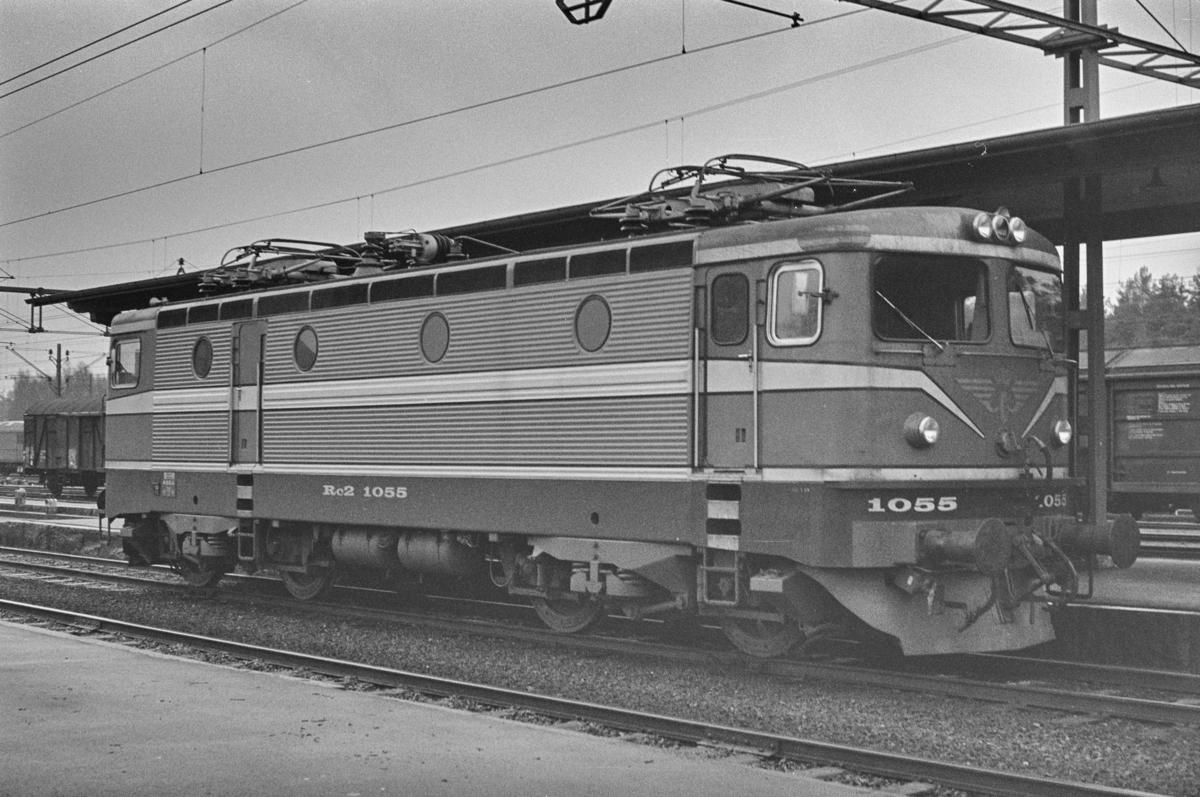 Svensk elektrisk lokomotiv type Rc 2 nr. 1055 i Ängelholm i Sverige.
