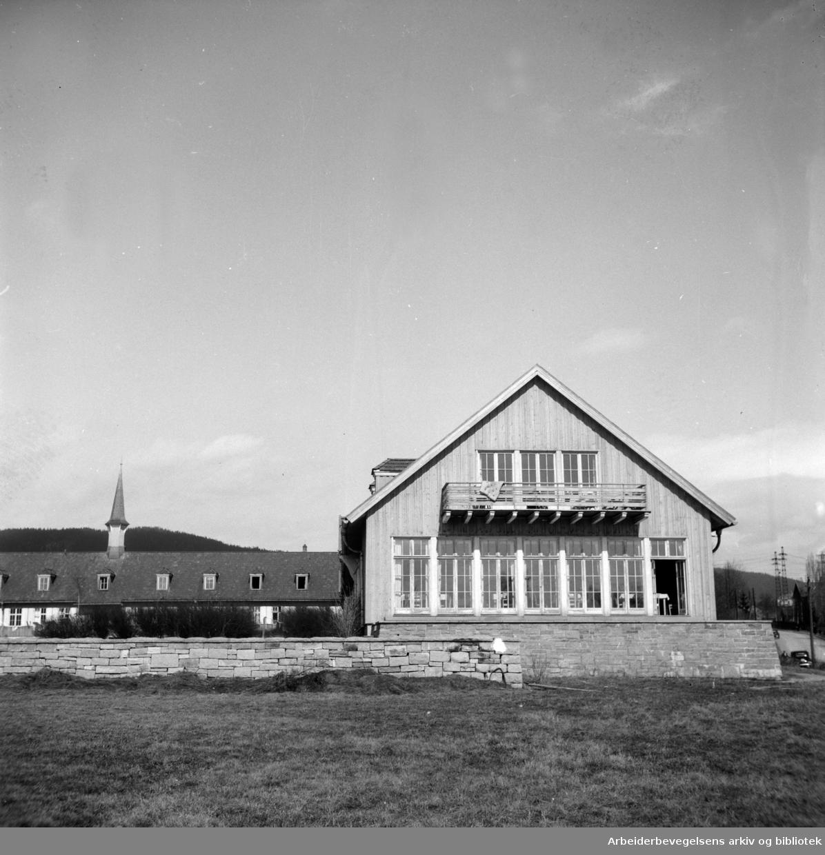Attføringsinstituttet på Sinsen. Eksteriør. Oktober 1947