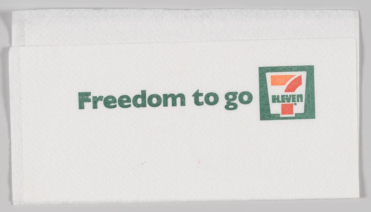En firkant med en reklametekst for 7 Eleven.  7-Eleven ble grunnlagt allerede i 1927 under navnet Southland Ice Company i Dallas i USA, og den opprinnelige forretningsideen var å selge isblokker til kjøleskap. Noe senere begynte man å tilby kundene melk, egg og brød på søndager og på hverdager etter dagligvarebutikkenes stengetid. Det nye forretningskonseptet handlet om å øke omsetningen gjennom å tilfredsstille kundene, og convenience-handelen var født. Kjedenes første convenience-butikker het Tote'm og hadde en totempel som varemerke. I 1946 endret kjeden navn til 7-Eleven, et navn som avspeilet butikkenes utvidede åpningstid fra klokken 07.00 - 23.00 hele uken. Senere ble åpningstidene utvidet til 24 timer i døgnet i utvalgte butikker verden over.