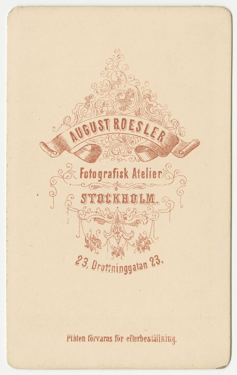 Porträtt av Per Adolf Emil Mohlin vid Krigsskolan Karlberg.  Se även bild AMA.0005550 och AMA.0021742.