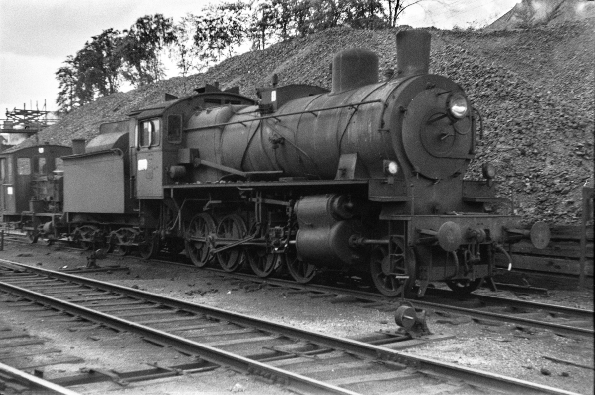 Utrangert damplokomotiv type 28a nr. 164 i Lodalen i Oslo.