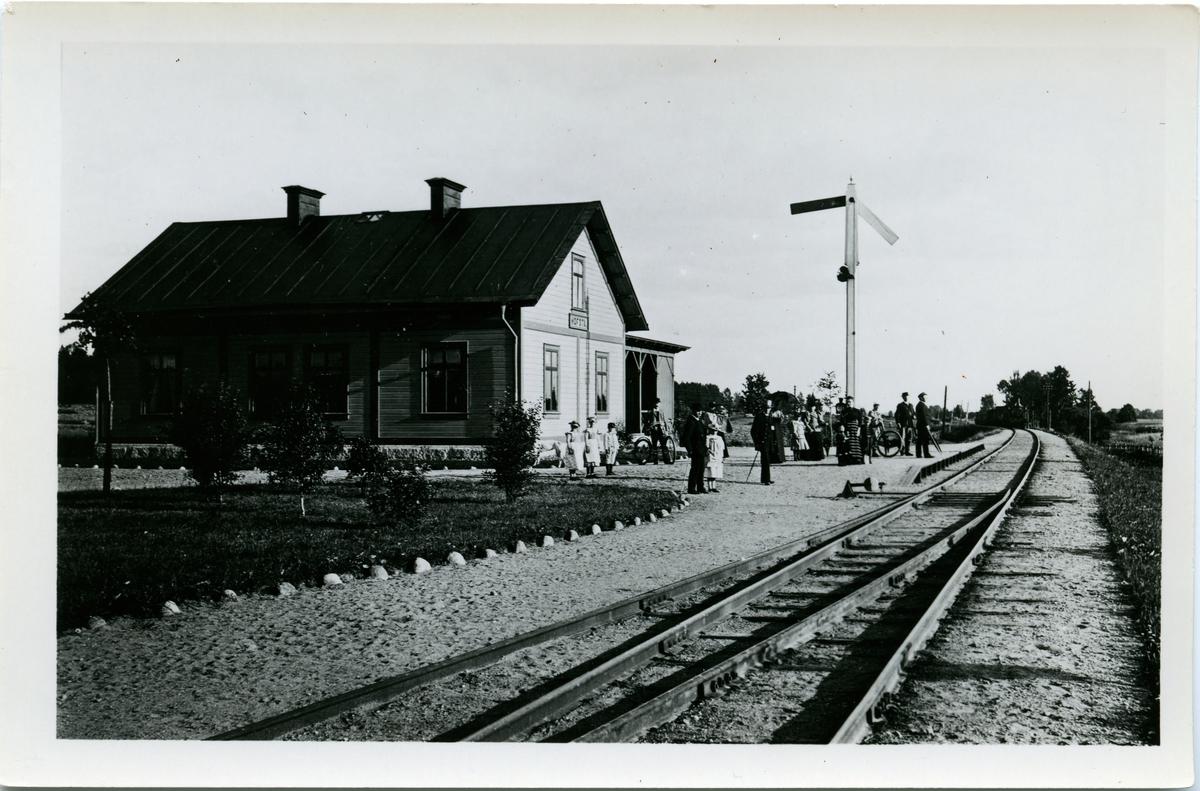 Gamla Krokslättsskolan i början av 1900-talet. Den låg