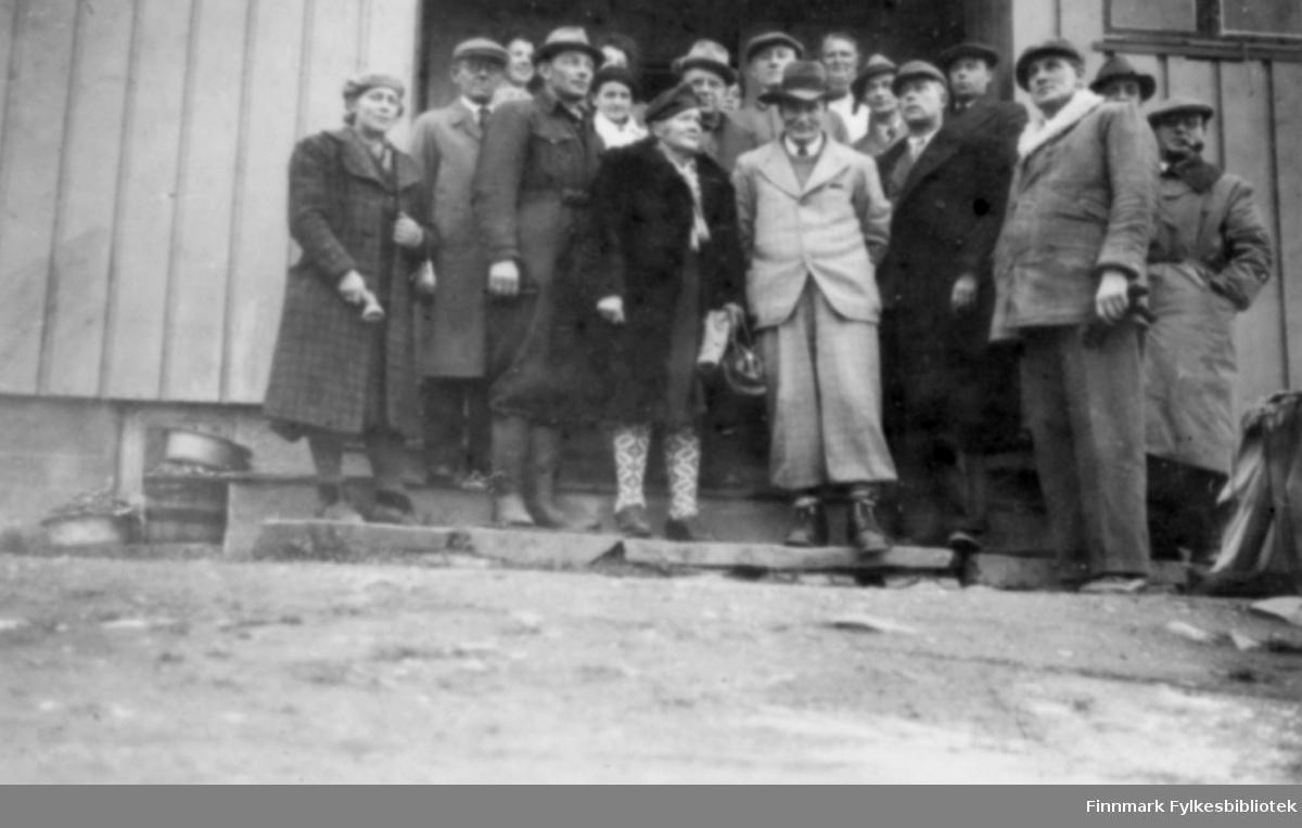 Skogfoss i 1945. Bildet viser det første lærermøte etter krigen.