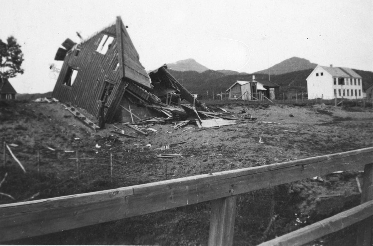 Ødelagte bygninger i Bjerkvik.