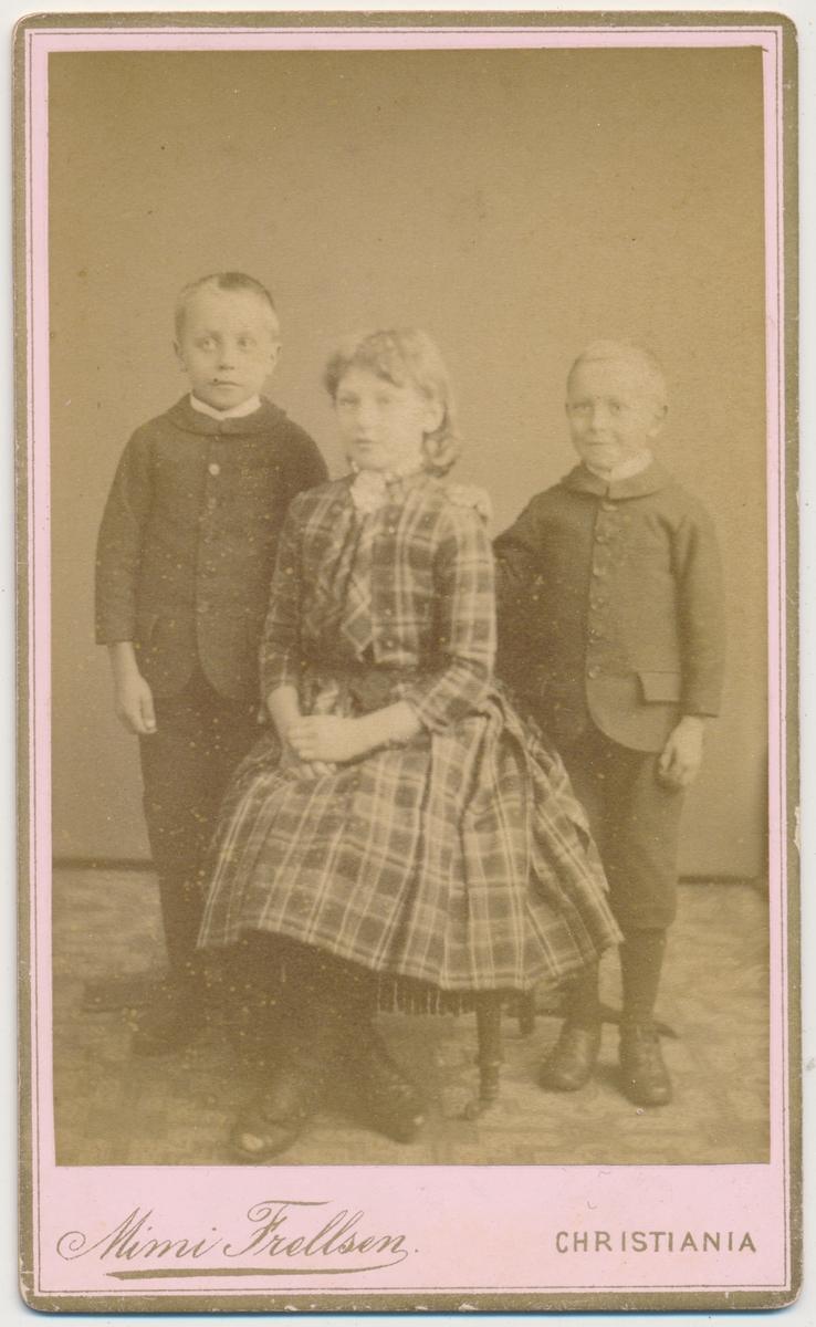 3 søsken, Gulbrandsen