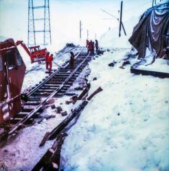 Berging av elektrisk lokomotiv El 16 2205 ved Oksebotn mello