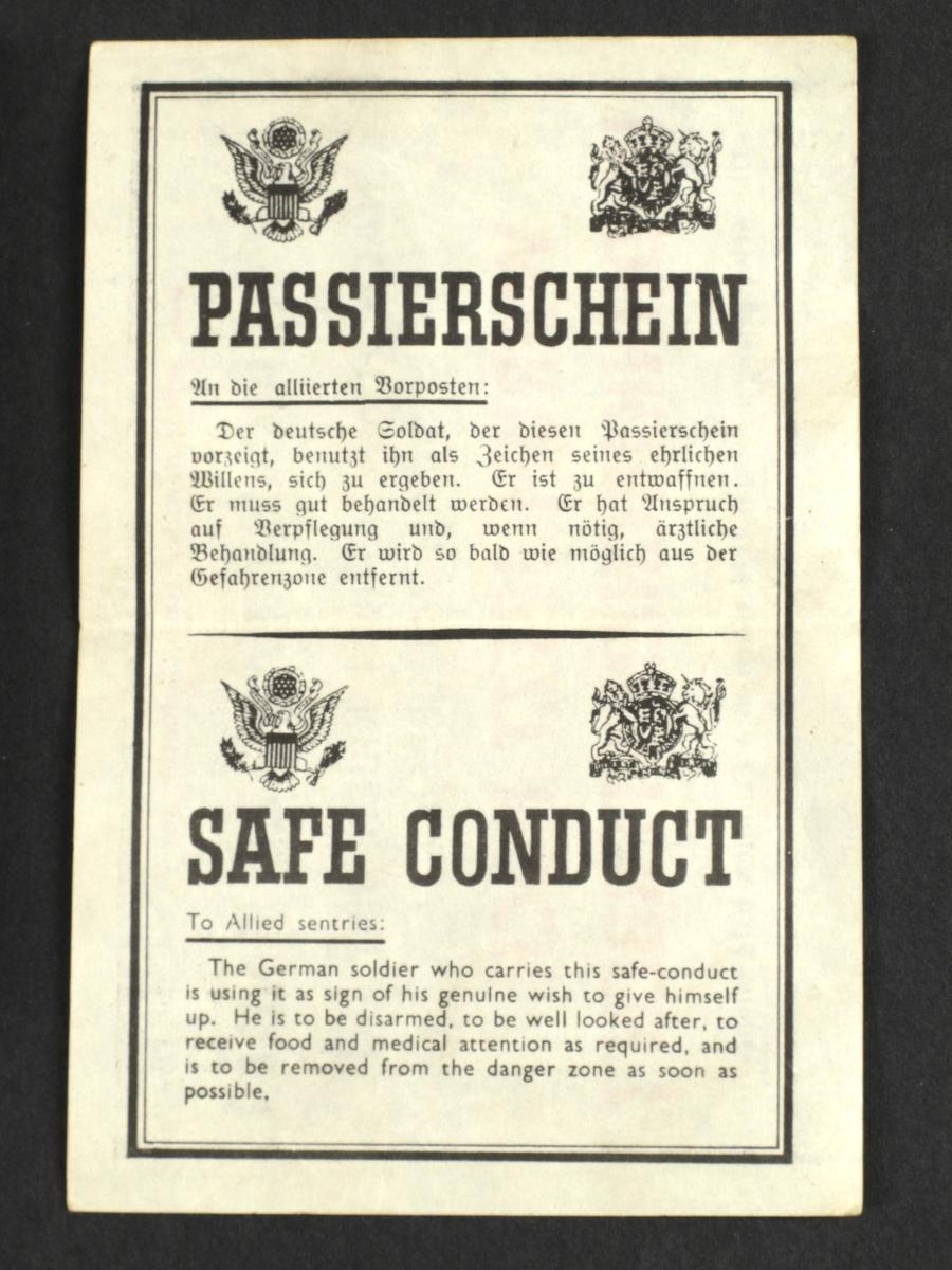 Passerseddel, (tysk Passierschein) med tysk og engelsk tekst. Trolig fra vestfronten der amerikanske og tyske styrker kjempet mot hverndre, høsten 1944 og vinteren 1945.