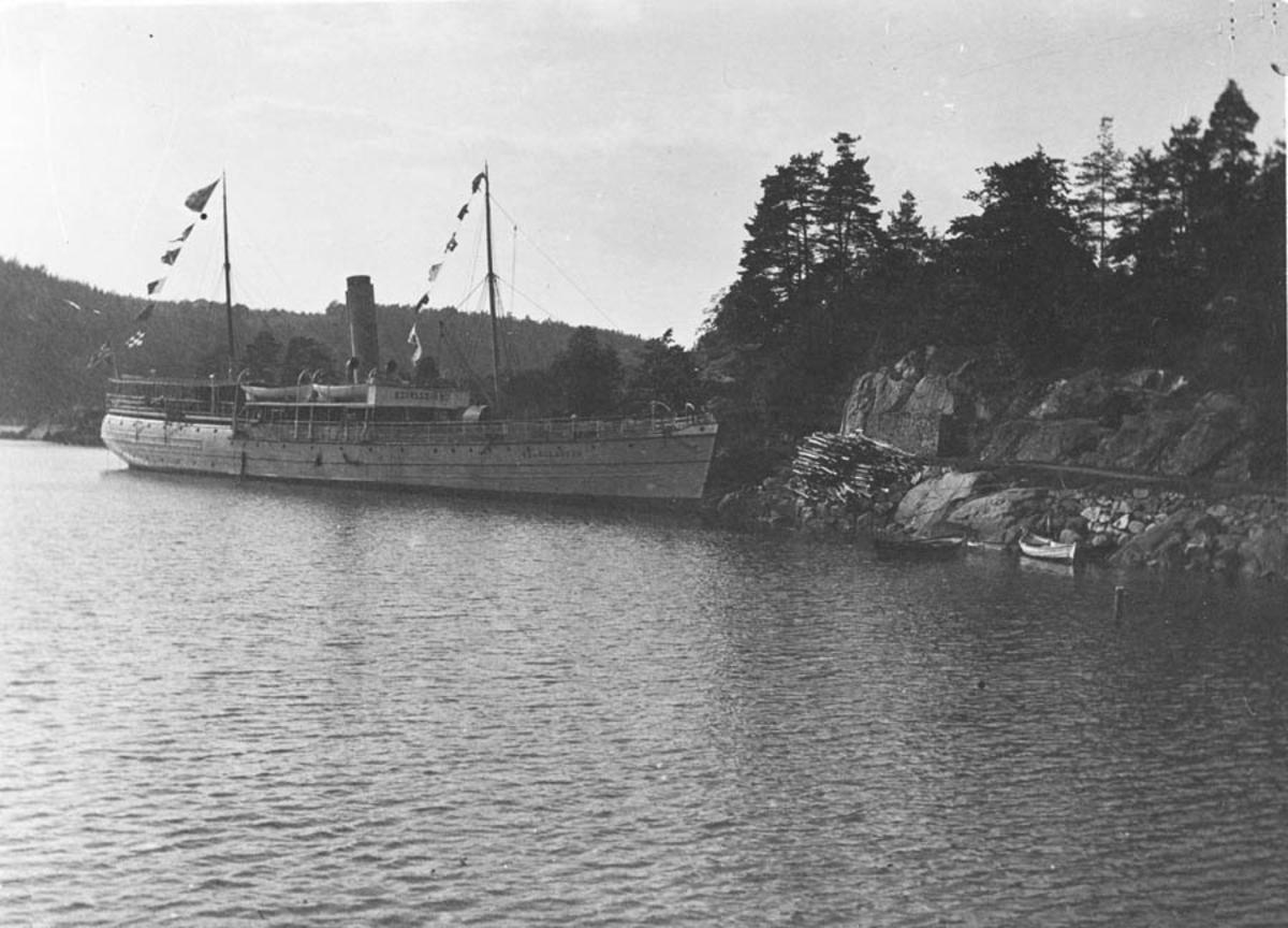 Exeleuren (båt).