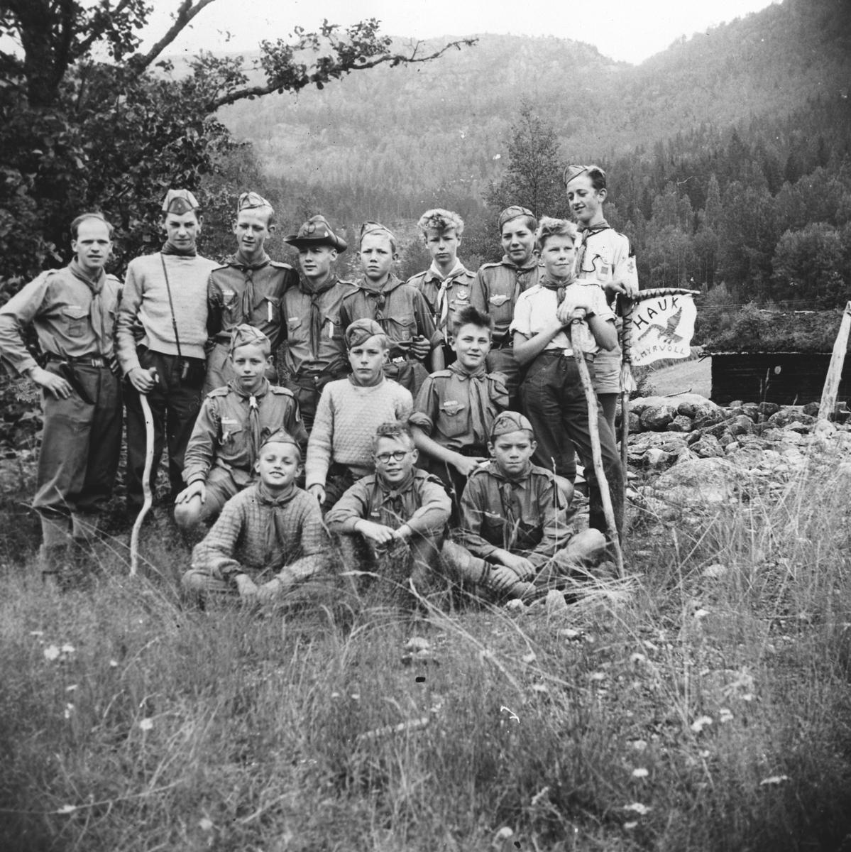 1. Myrvoll på vandretur via: Fyrrsdal, Tovdal, Hynnekleiv, Hjem