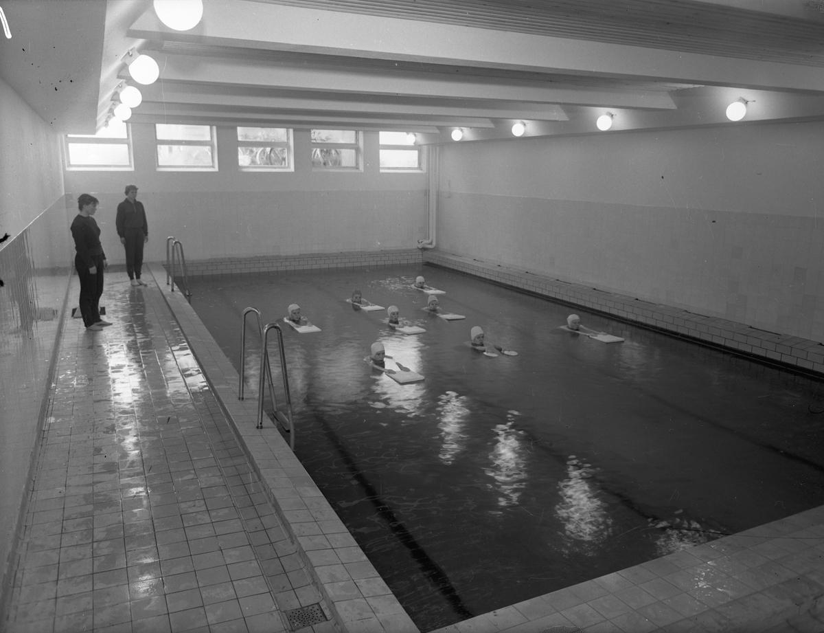 Romerike Folkehøyskole. Svømmeopplæring.