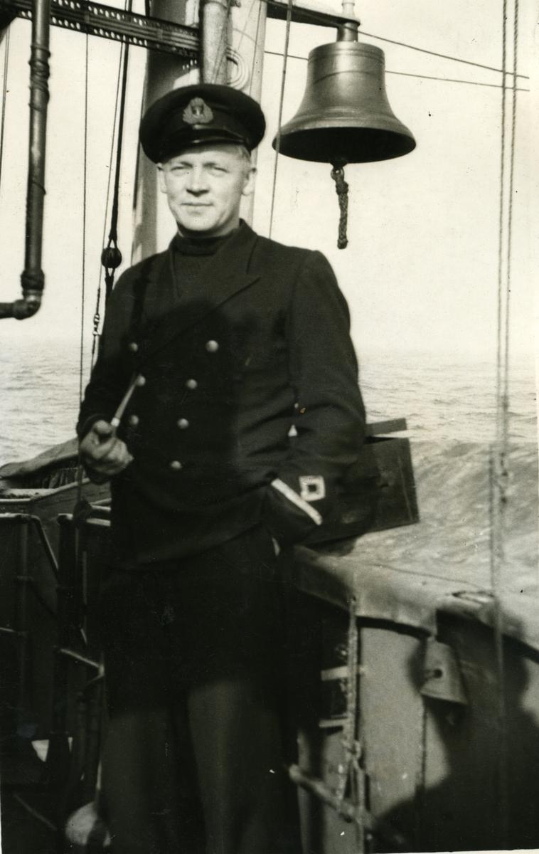 Album Ubåtjager King Haakon VII 1942-1946 Fenrik Holst 1941.