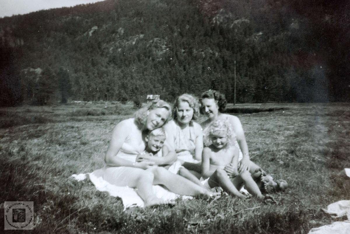 Etter badetur på Monan, Vårdal i Grindheim.