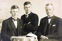 Tre kjekke ungdommer fra Grindheim Audnedal.