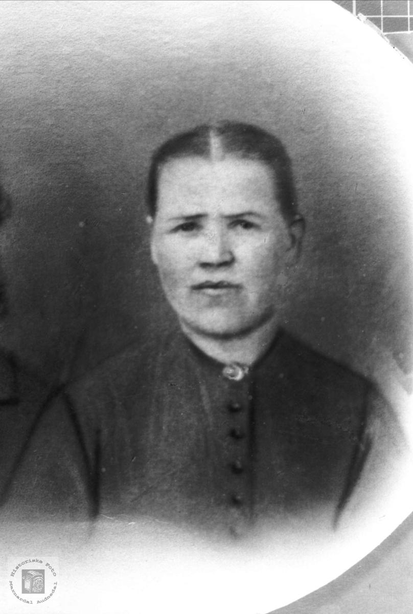 Portrett av Berte Strædet fra Undeland i Konsmo.