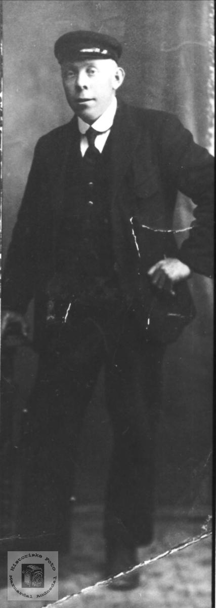 Portrett av John Tønnes Gjertsen Skogsøy.