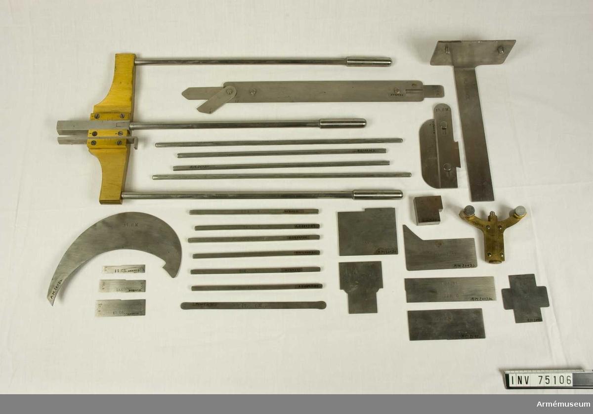 Grupp F:III(överstruket) V.  Besiktningsinstrument till 17 cm granat m/1864 och till 17 cm framladdningskanon m/1864.
