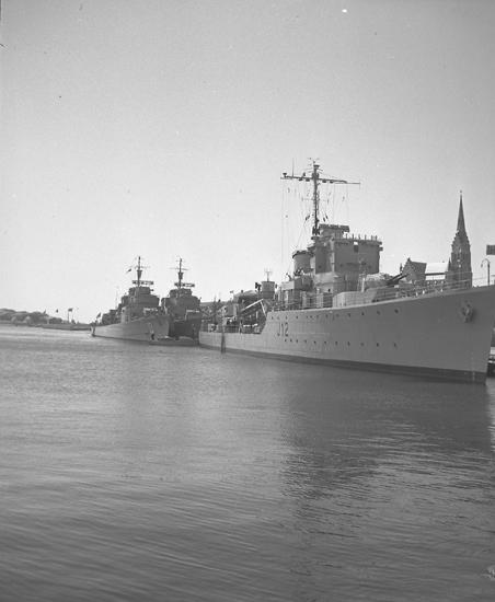 Norska jagaren KNM ARENDAL på flottbesök 1948