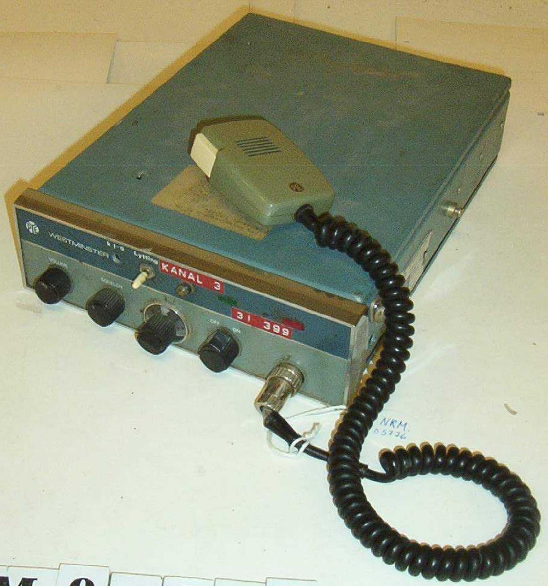 Mobil/kjøretøymontert radio