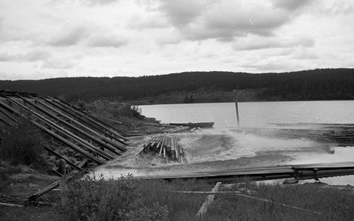 Losseanlegg for tømmer på Skulerud brygge.