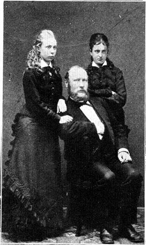 Kata Dalström med händerna på sin man ingenjör Gustaf Dalström. Med på bilden är Katas kusin Polly Carlsvärd till höger. Bilden är tagen 1878.