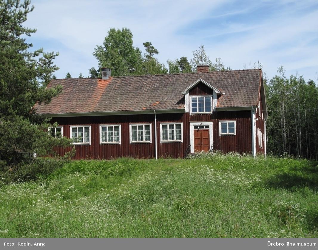Inventering av kulturmiljöer i Axberg, Ervalla och Ödeby. Område 3.Miljö 56.1: Ölmbrotorp.Dnr: 2010.240.086