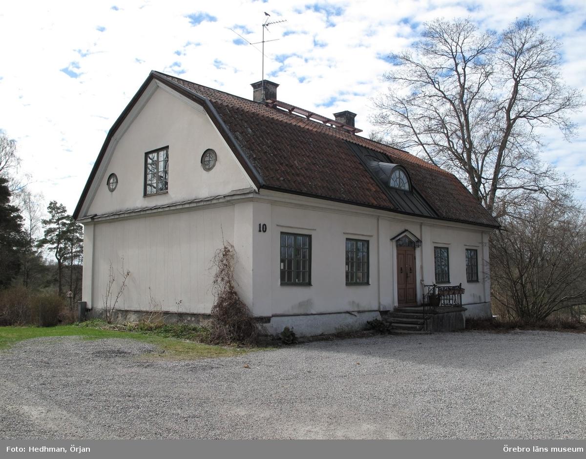 Södra flygeln, Längbro 2:25. Inventering av Karlslunds byggnader.Bilder till rapporten. Dnr: 2011.250.050