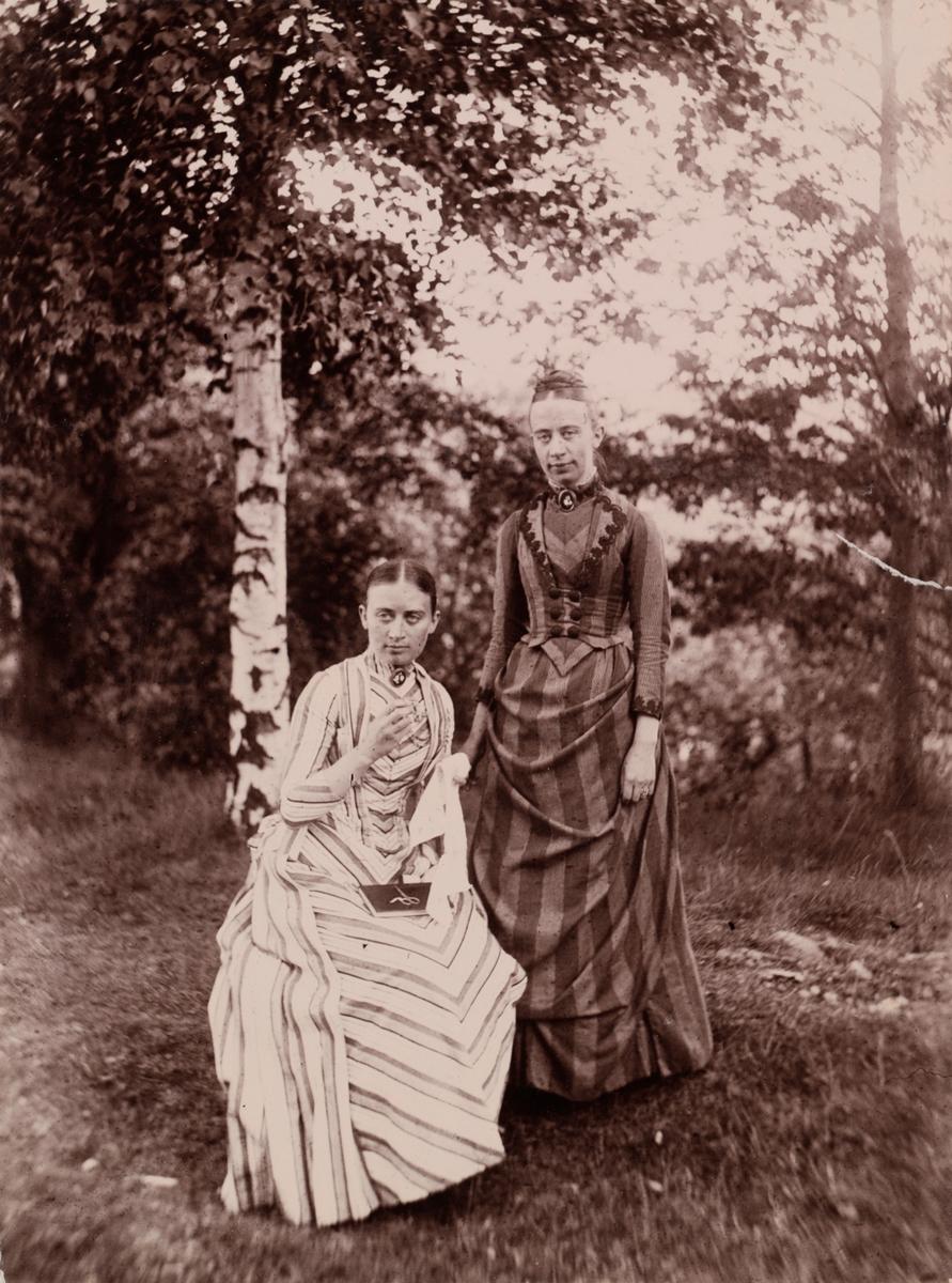 Hanna og Ruth Wetlesen.