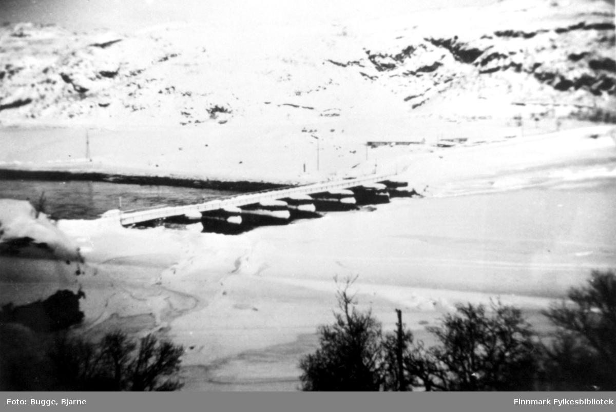 Russebrua ved Elvenes vinteren 1945.