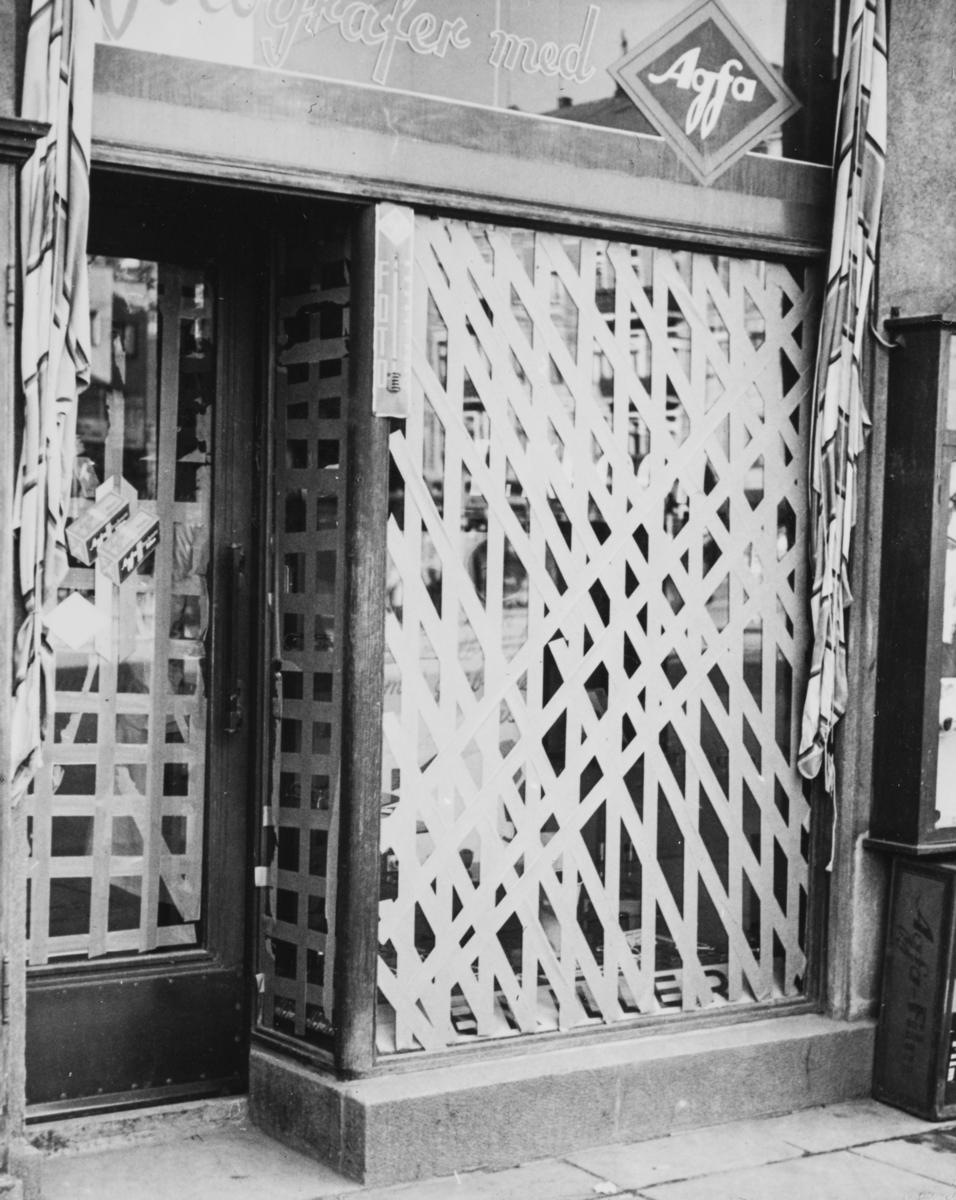 Stengt butikk i Oslo dagen etter tyskernes invasjon, 10. april 1940.