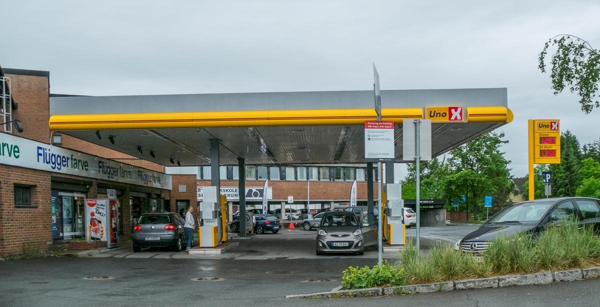 Uno X bensinstasjon Jens Ringsvei Bekkestua Bærum