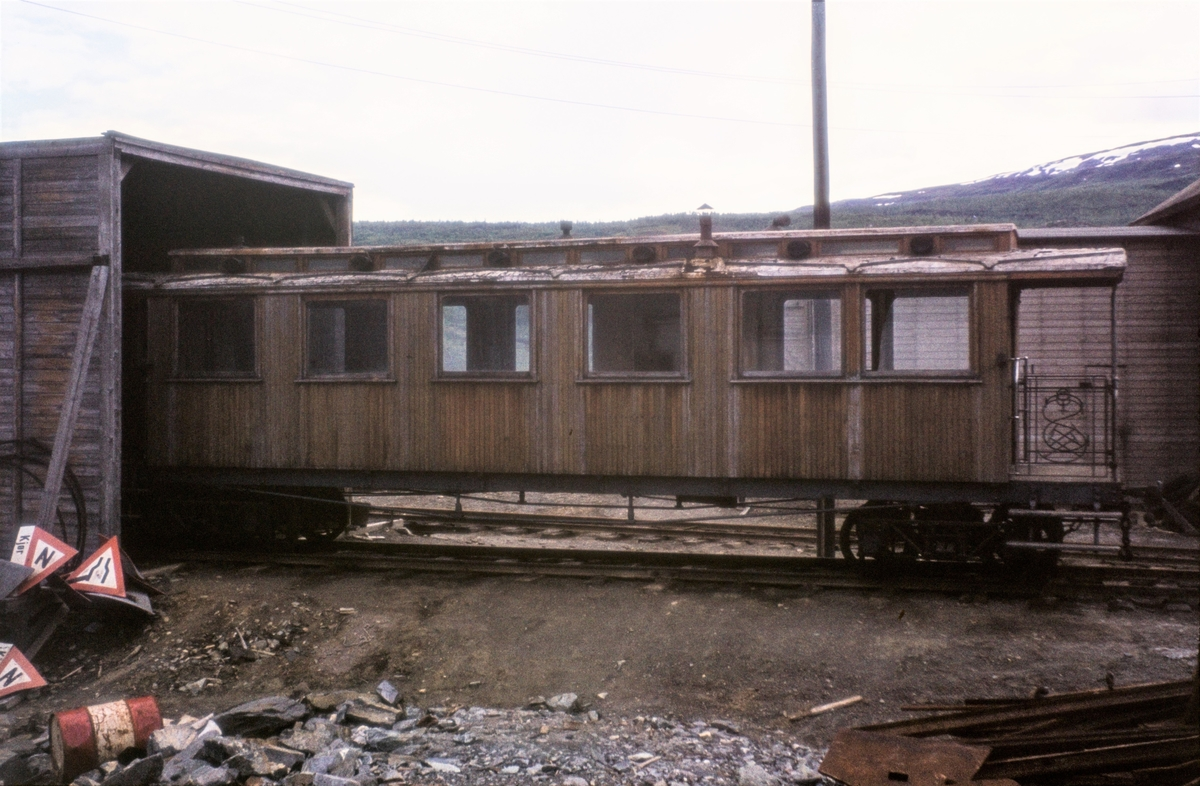 """Sulitjelmabanens """"kongevogn"""", personvogn BCo 3."""