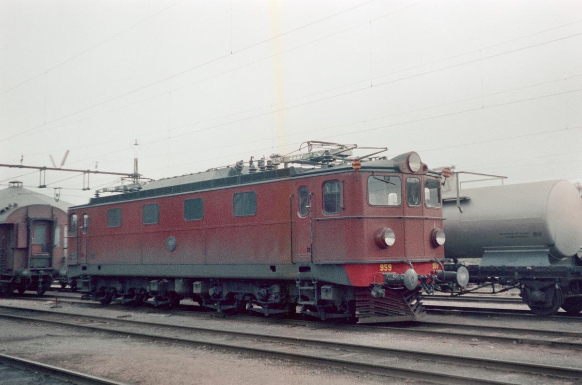 Fra Storlien stasjon i Sverige. Svensk elektrisk lokomotiv type Ma nr. 959.
