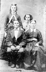 Gruppe4, familie, mann, kvinne, barn barneklede, kjole