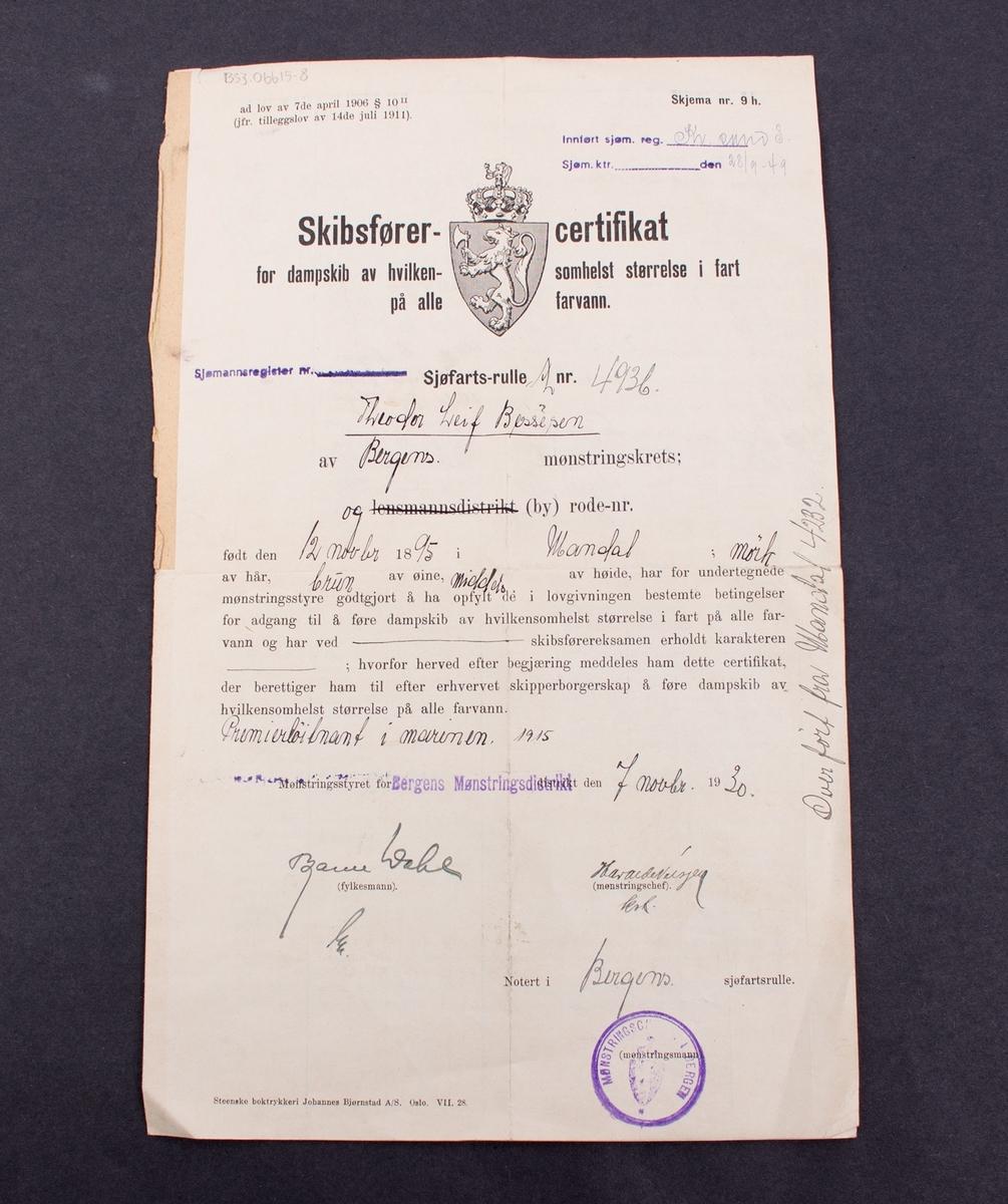 Skibsfører-certifikat gitt til Theodor Leif Bessesen fra Bergens Mønstringsdistrikt, datert 7. november 1930.