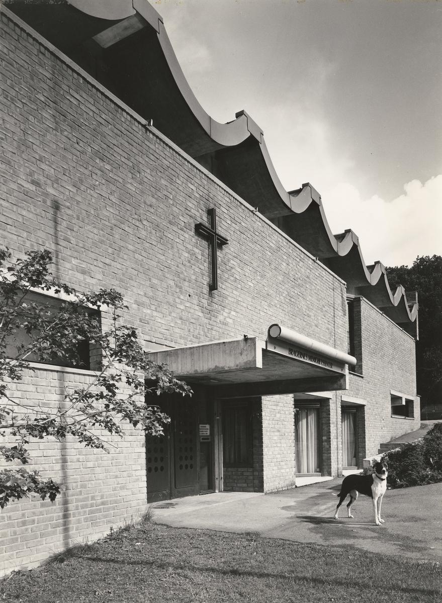 Bragernes menighetshus og eldresenter [Fotografi]