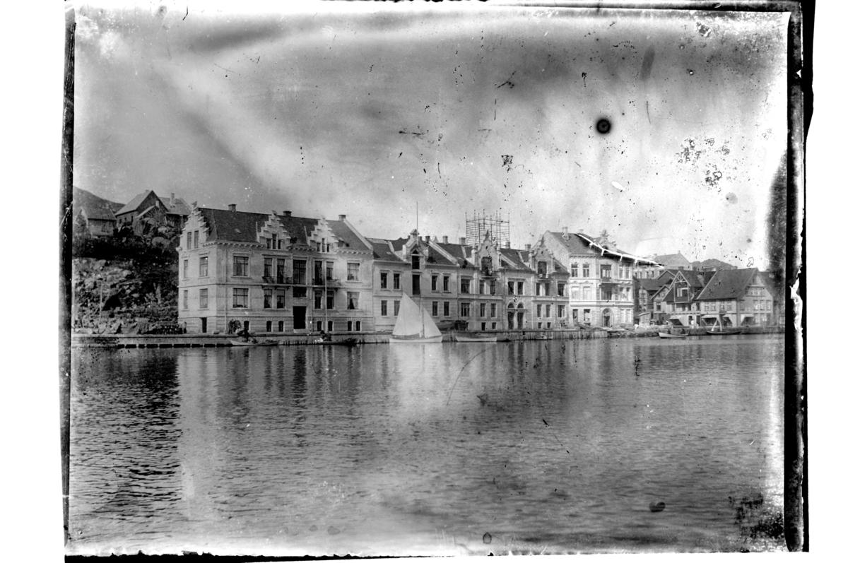 Verven i Farsund før Pengeveien ble anlagt. Fotografert 1903.