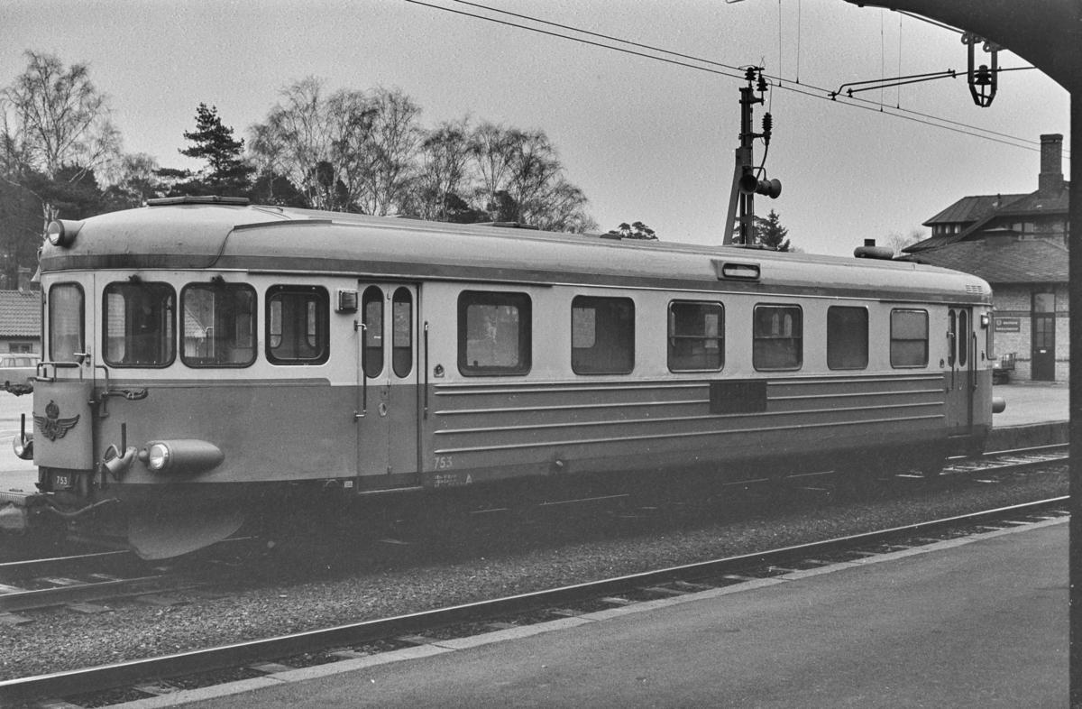 Svensk dieselmotorvogn type Y6 nr. 753 i Ângelholm i Sverige.