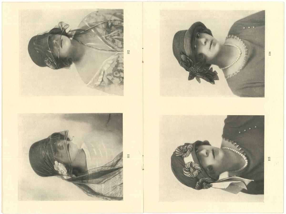 Uppslag i modehäfte med fyra kvinnor i hatt.   Modeller på hattar. Från år 1923. Modejournalen fanns i Amanda Nordahls Modeaffär, Vänersborg.