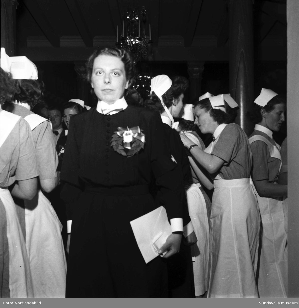 Sjuksköterskeinvigning i Skönsmons kyrka.