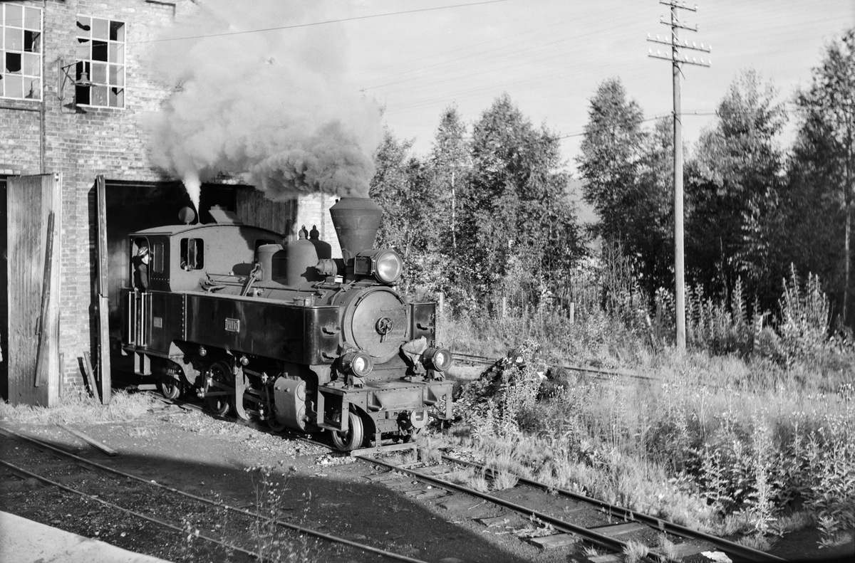 Damplokomotiv nr. 7 Prydz i verkstedet på Bjørkelangen