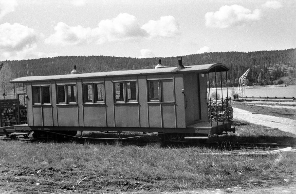 Aurskog-Hølandbanens personvogn Co 2 på Skulerud stasjon.