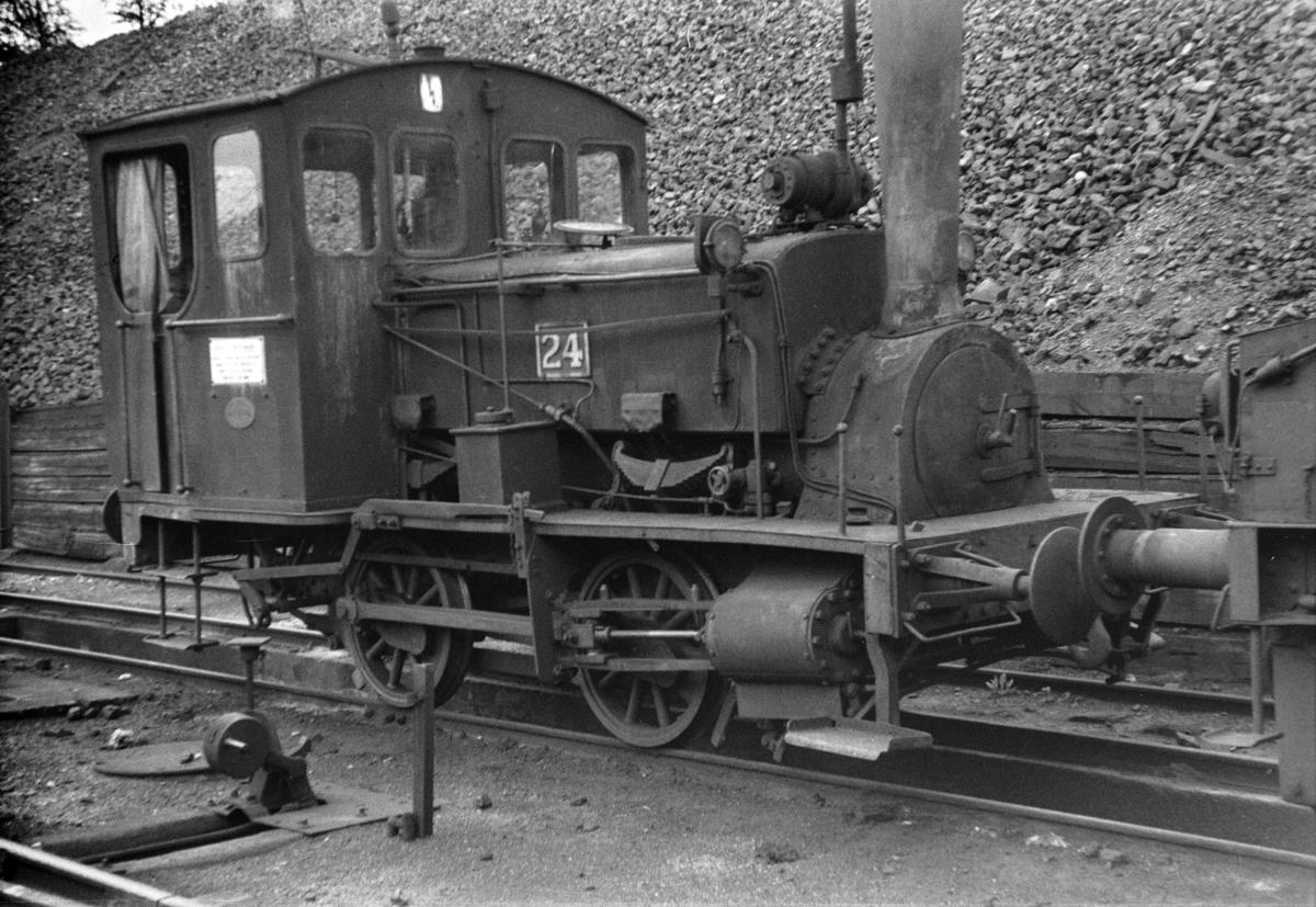 Damplokomotiv type 7a nr. 24 i skiftetjeneste i Lodalen i Oslo.
