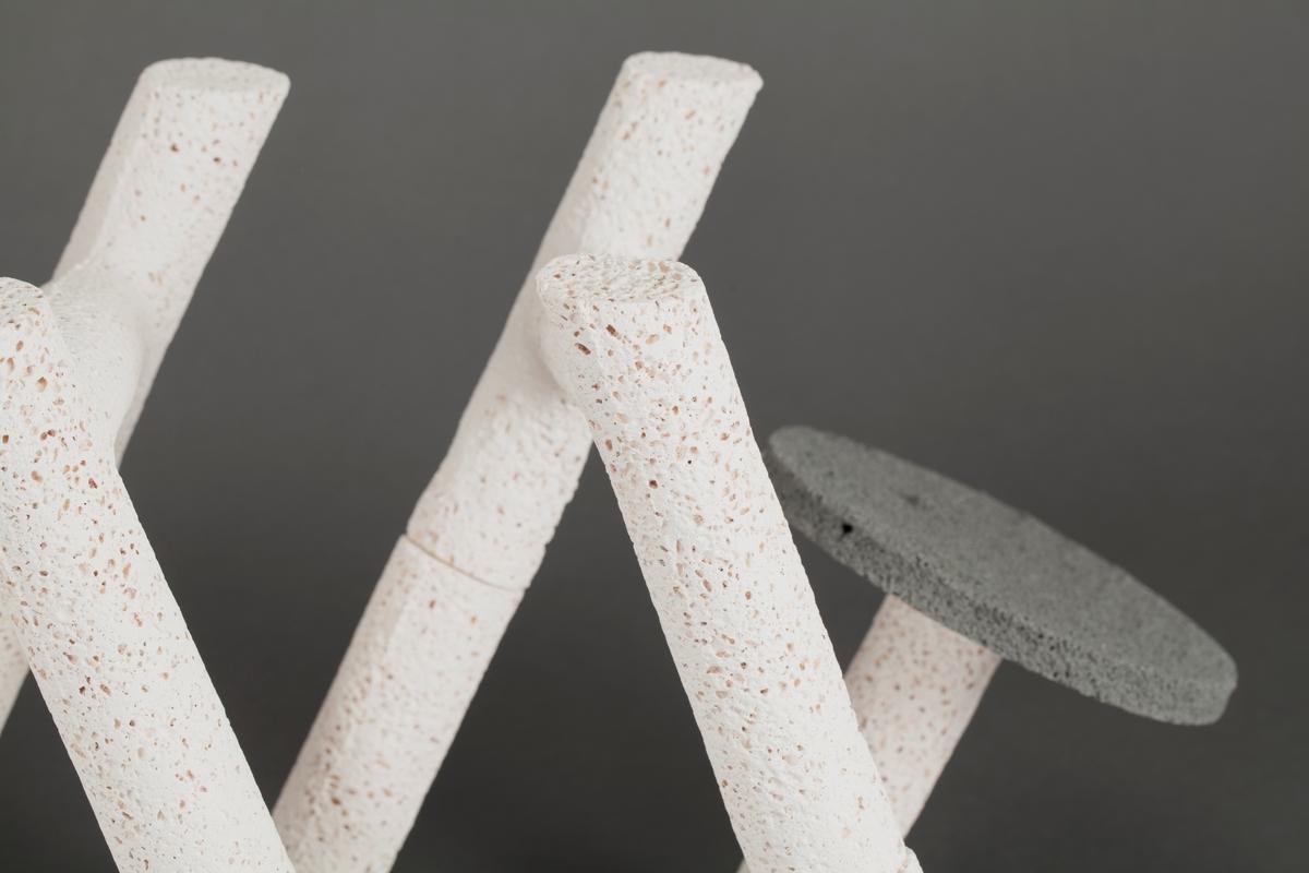 Lang grå pariserfrokost [Skulptur]