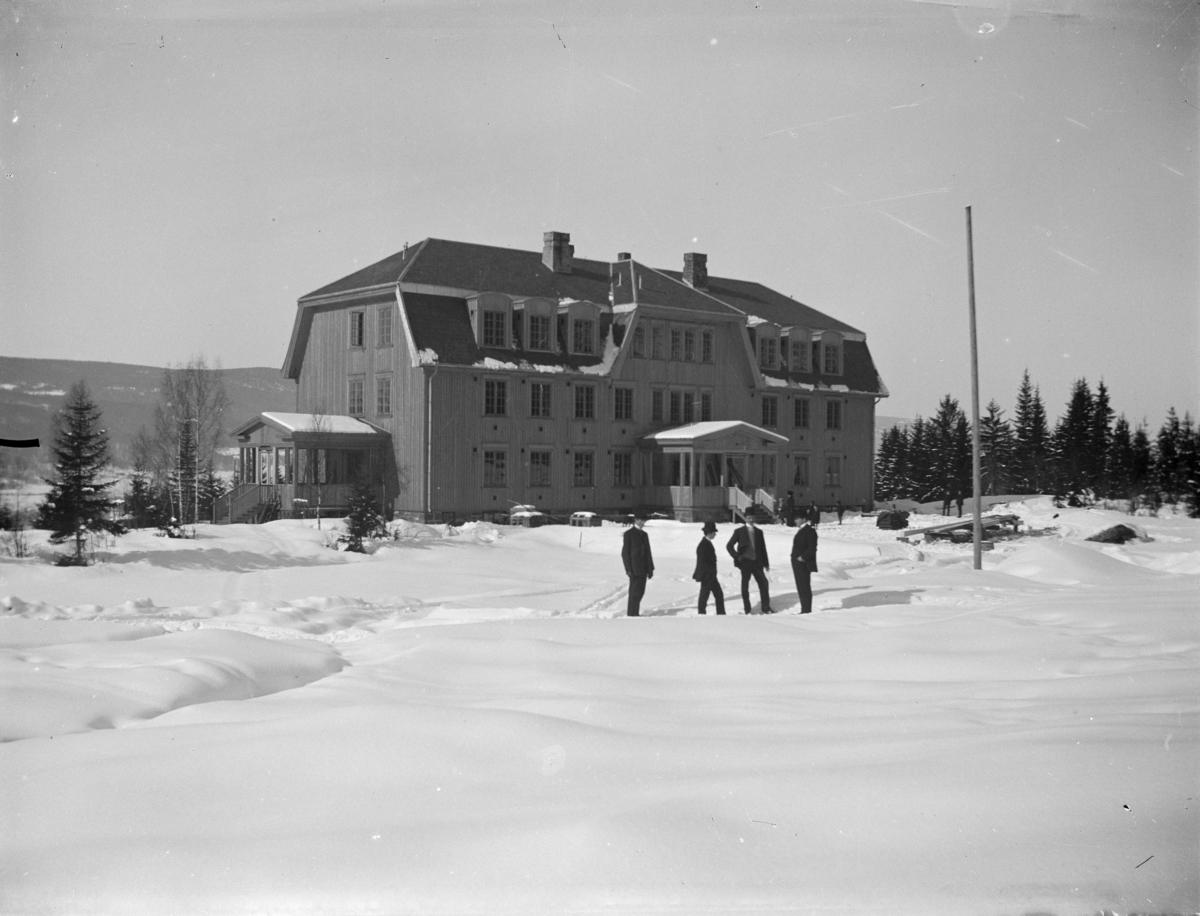 Lillehammer Turisthotell under bygging 1911