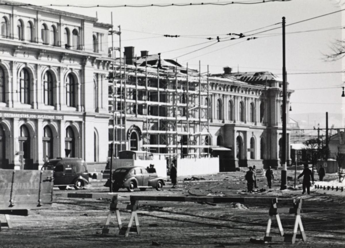 Reparasjon av Oslo Østbanestasjon etter sabotasjeaksjon 14. mai i 1942