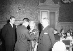 Medaljeutdeling for lang og tro tjeneste under R. Kjeldsberg