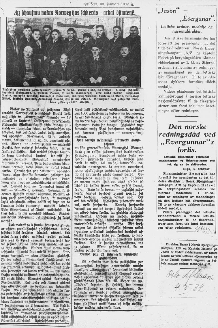 Avfotografert avisartikkel om redningen av det latviske fartøyet EVERGUNAR.